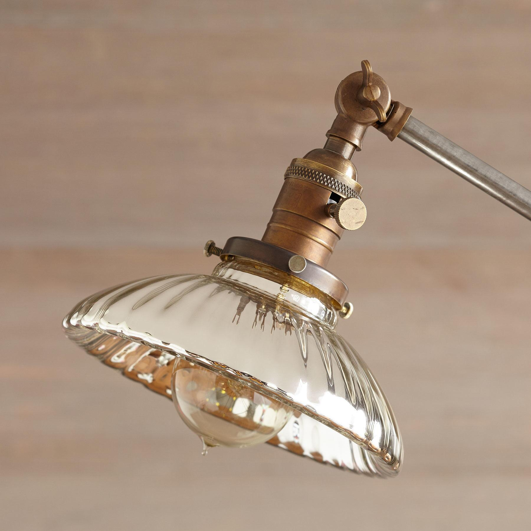 HONOLULU TABLE LAMP: View 2