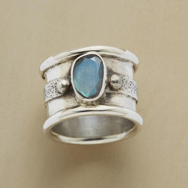NORTHERN LIGHTS Labradorite RING