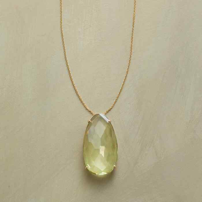 KIWI QUARTZ NECKLACE