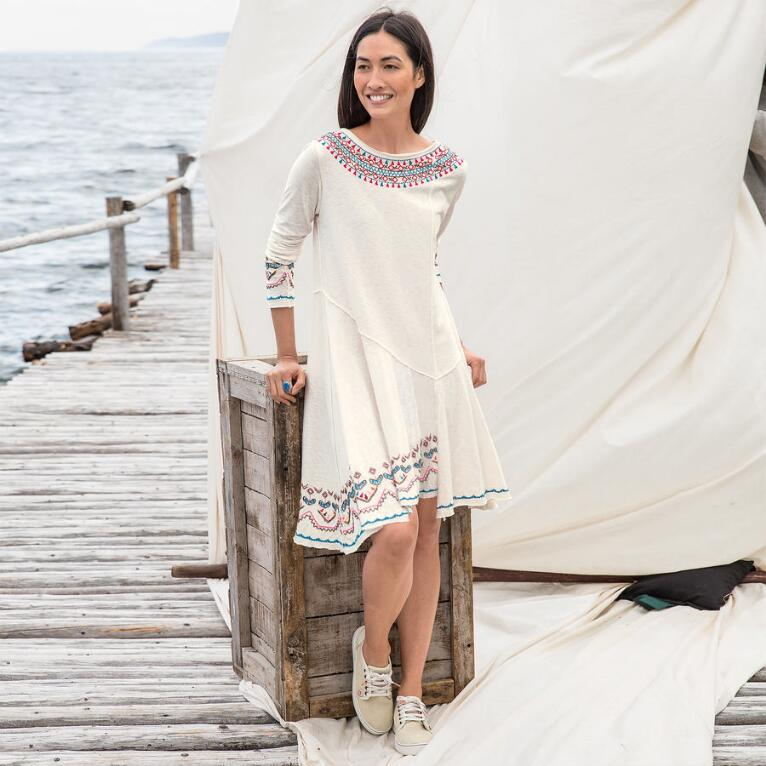 BRAVURA EMBROIDERED DRESS