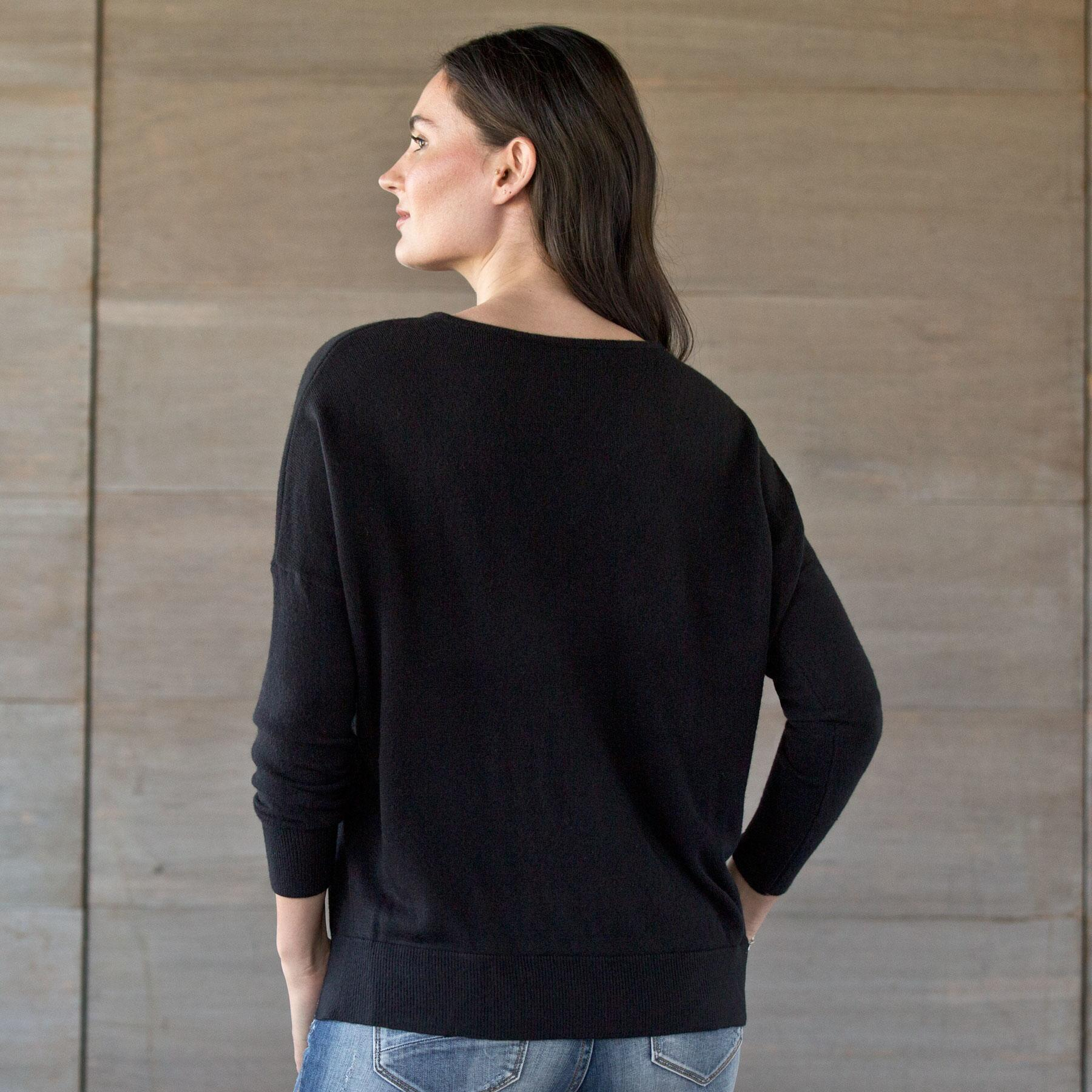 UNEXPECTED ELEGANCE TOP: View 2