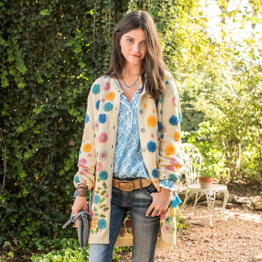 SCATTERED FLOWERS SWEATER COAT