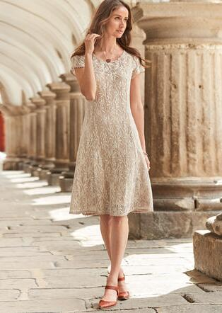 SWEETHEART LACE DRESS