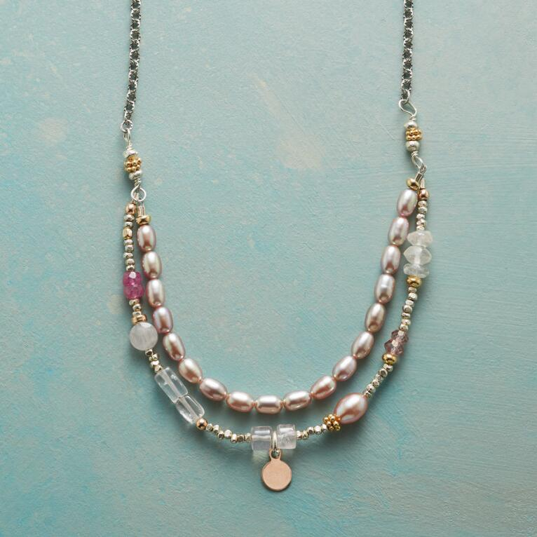 BLUSHING BOUQUET NECKLACE