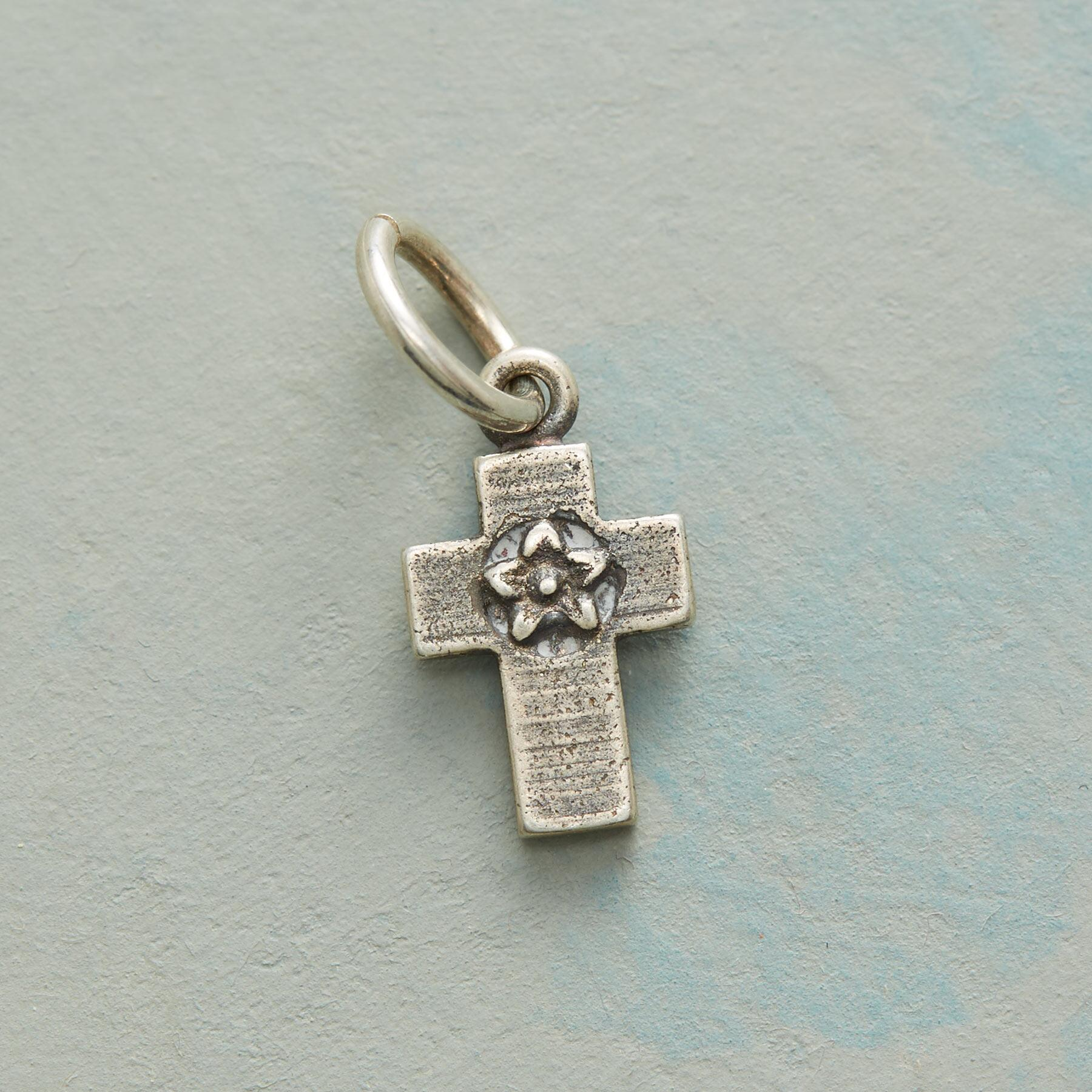 FLOWERS FAITH AND LOVE CROSS CHARM SS: View 1