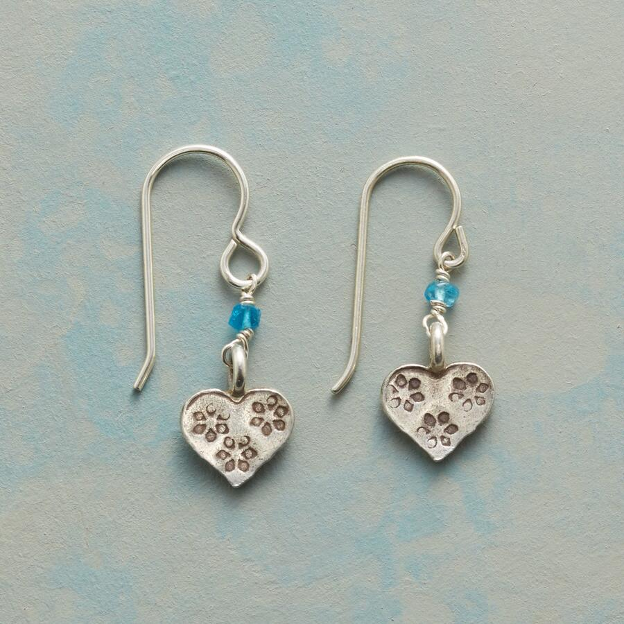 SINGSONG HEARTS EARRINGS