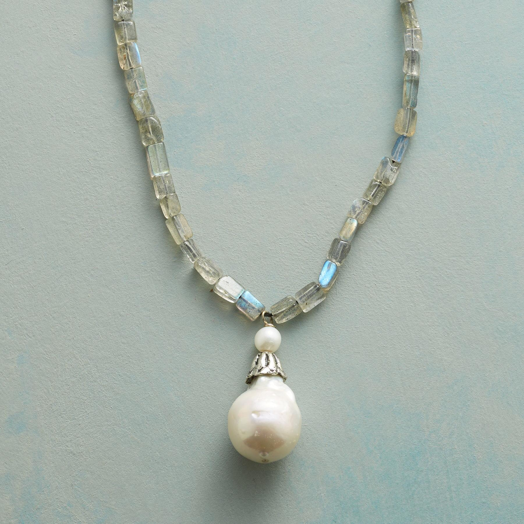 BELLFLOWER PEARL NECKLACE: View 1
