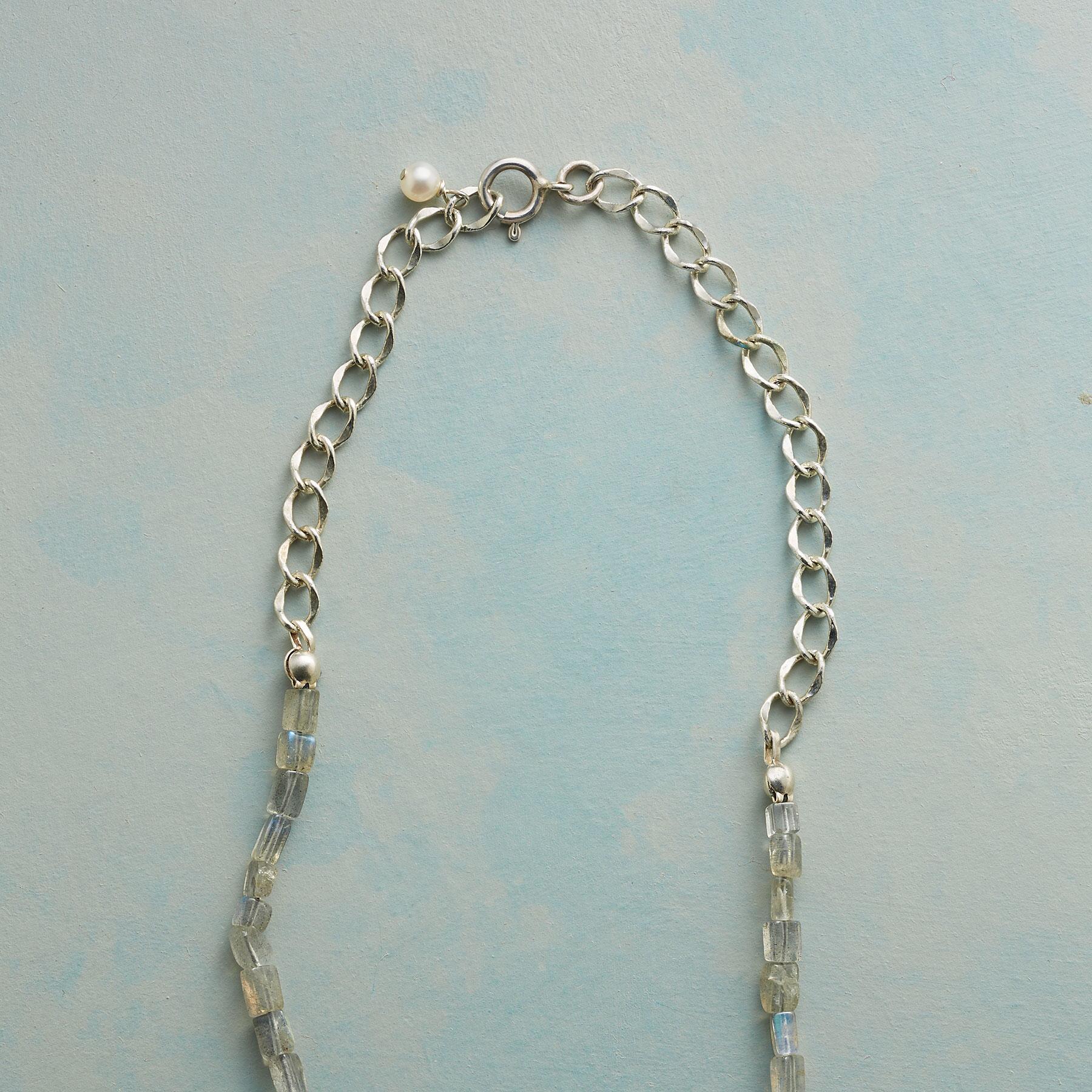 BELLFLOWER PEARL NECKLACE: View 3