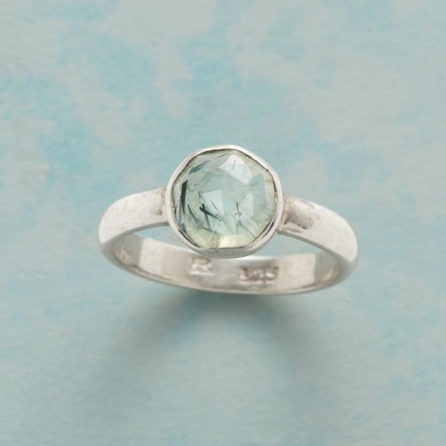 RUTILE IN THE ROUND RING