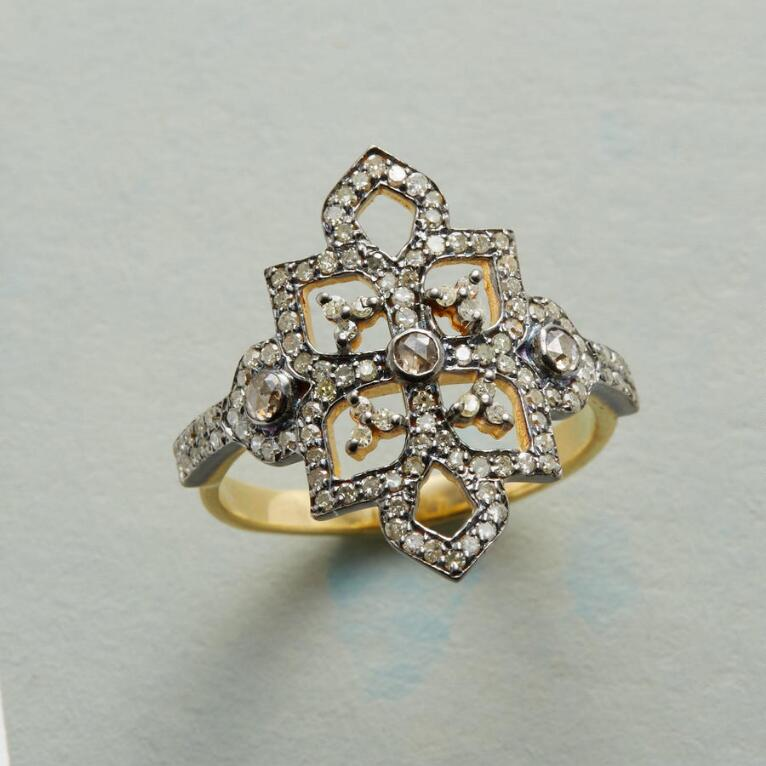 CROWNED DIAMOND RING