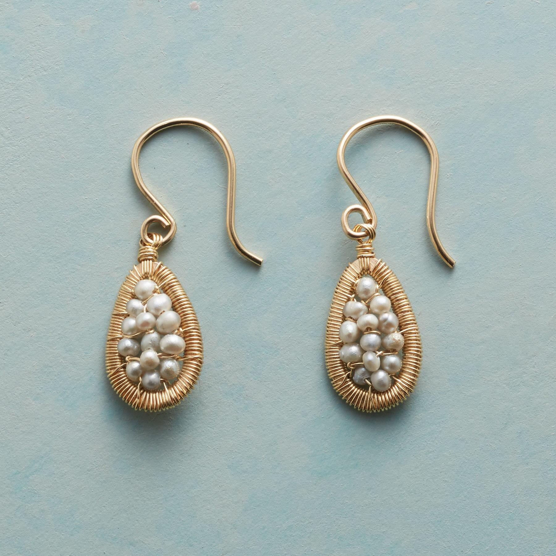 PEARL MESH EARRINGS: View 1