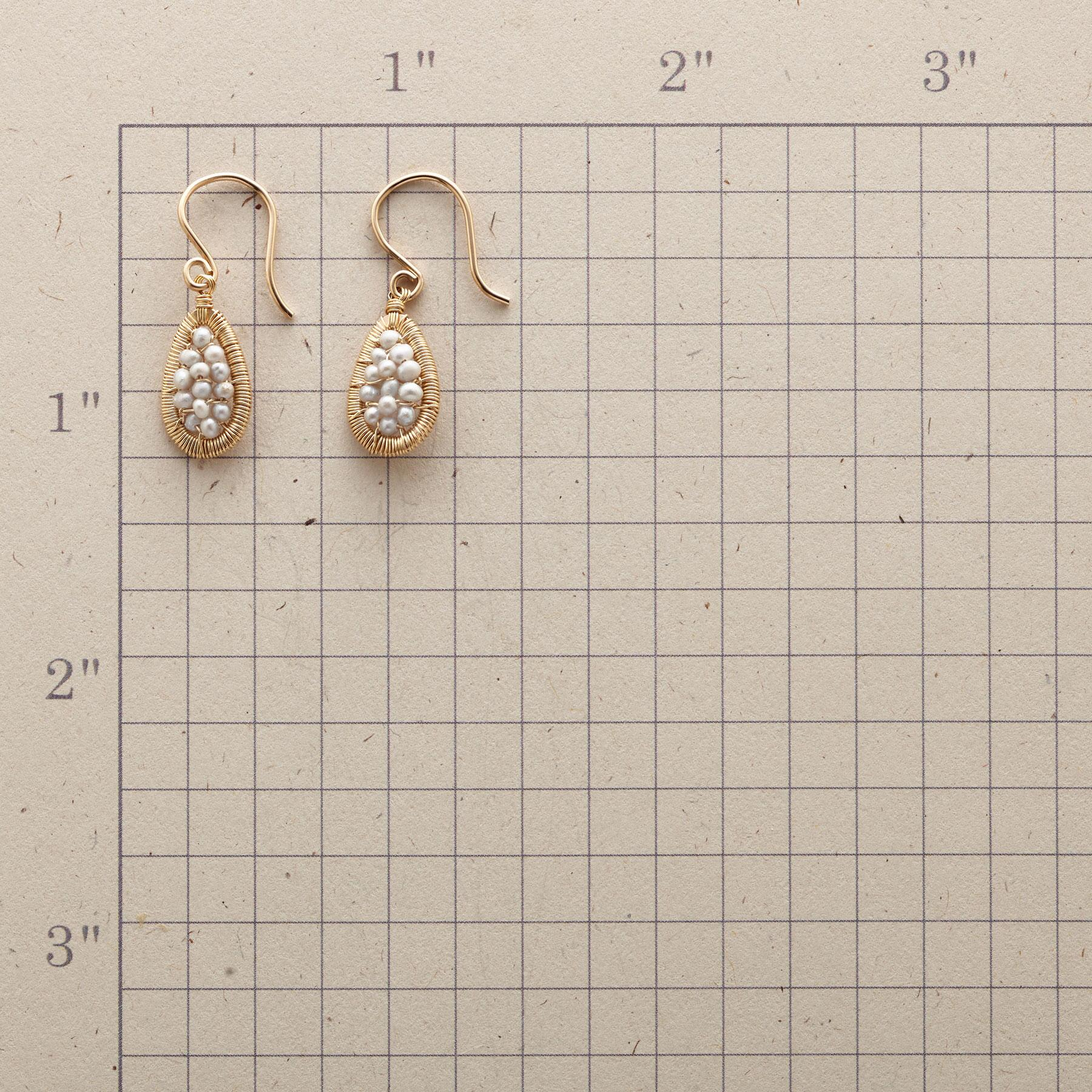 PEARL MESH EARRINGS: View 2