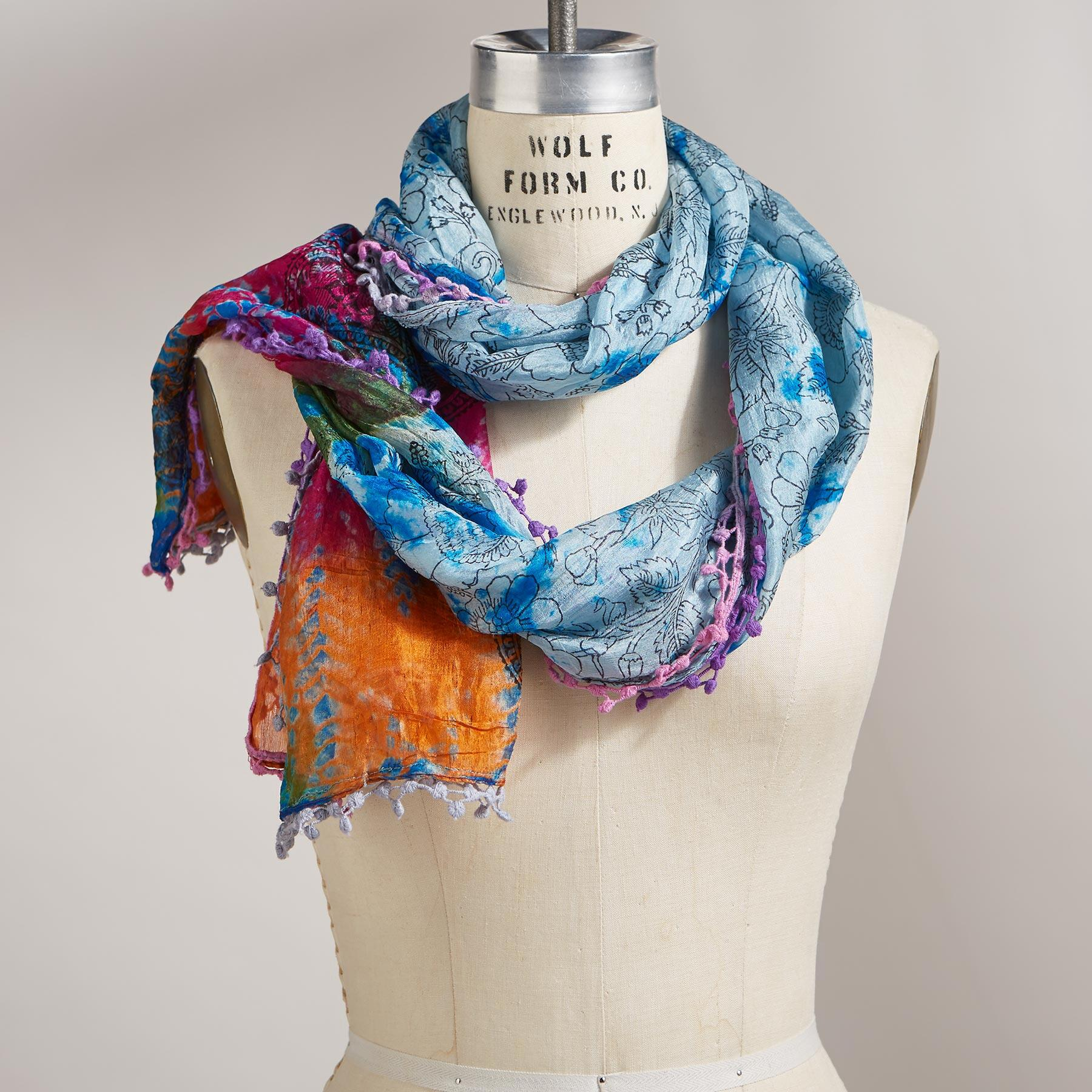 FLOWER ESSENCE SCARF: View 1
