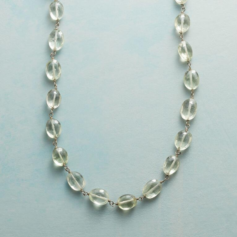 GREEN AMETHYST LEI NECKLACE