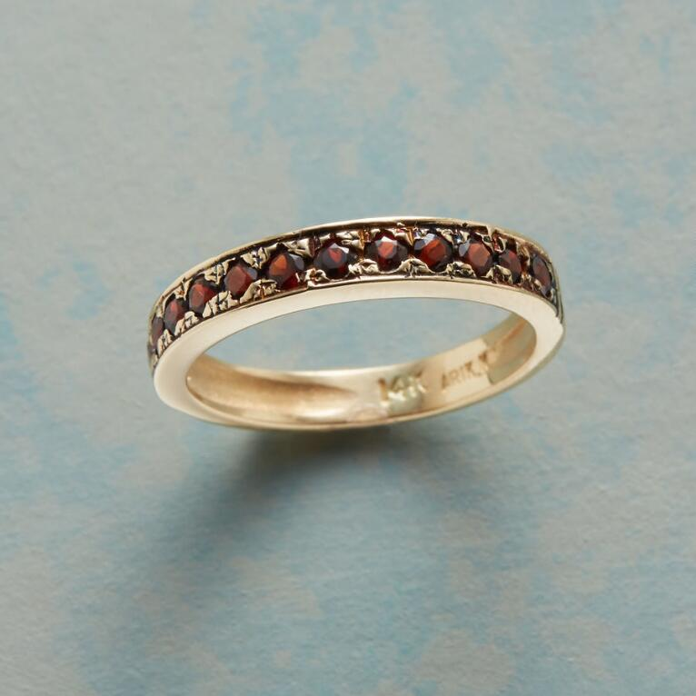RING OF ROSES BAND IN YELLOW GOLD