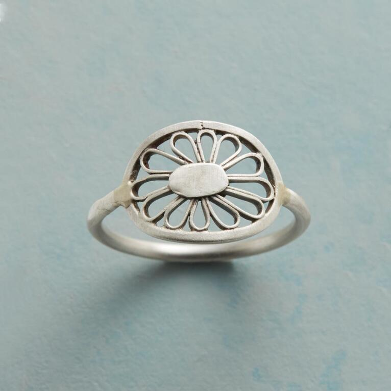FILIGREED FLOWER RING