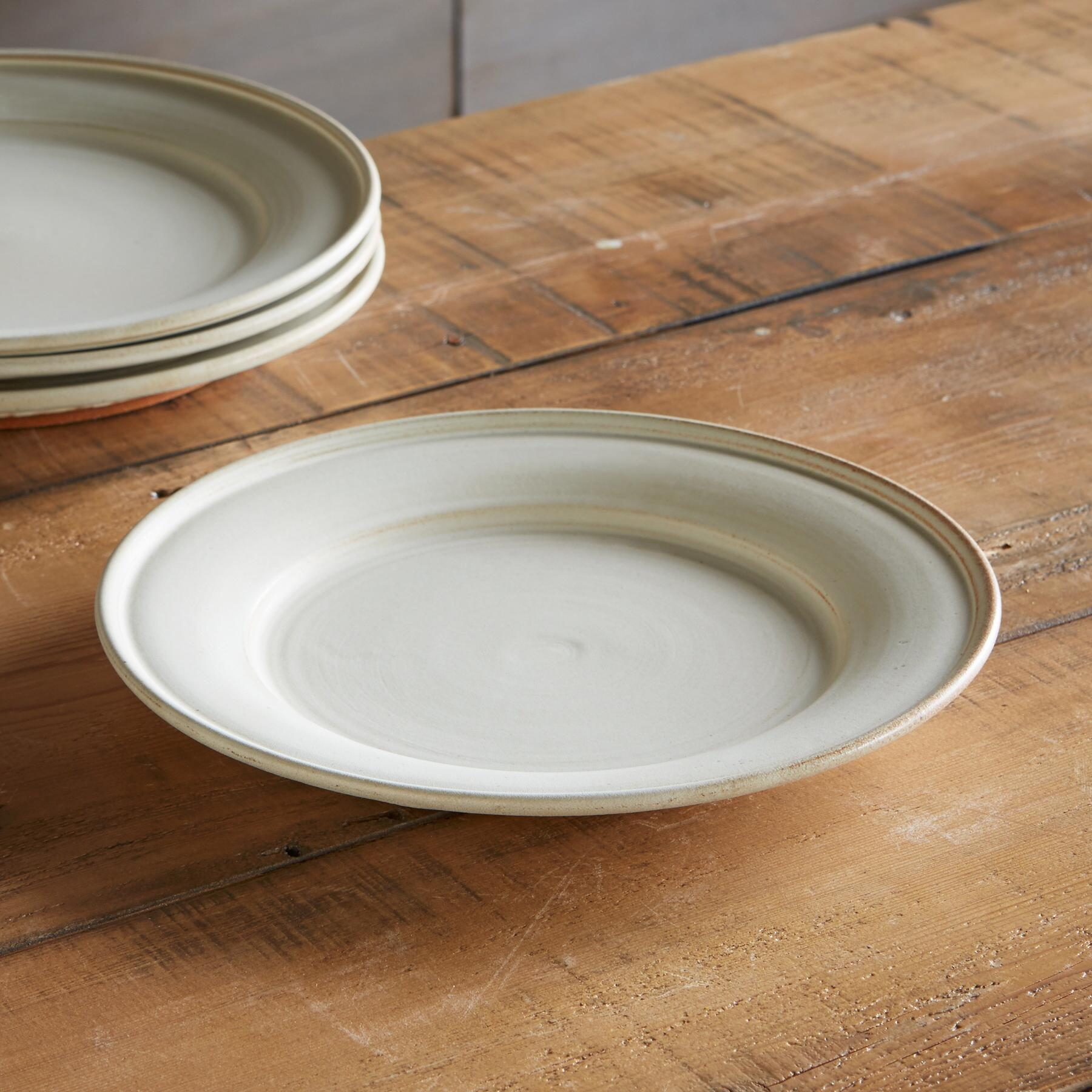 SIENNA STONEWARE DINNER PLATE: View 1
