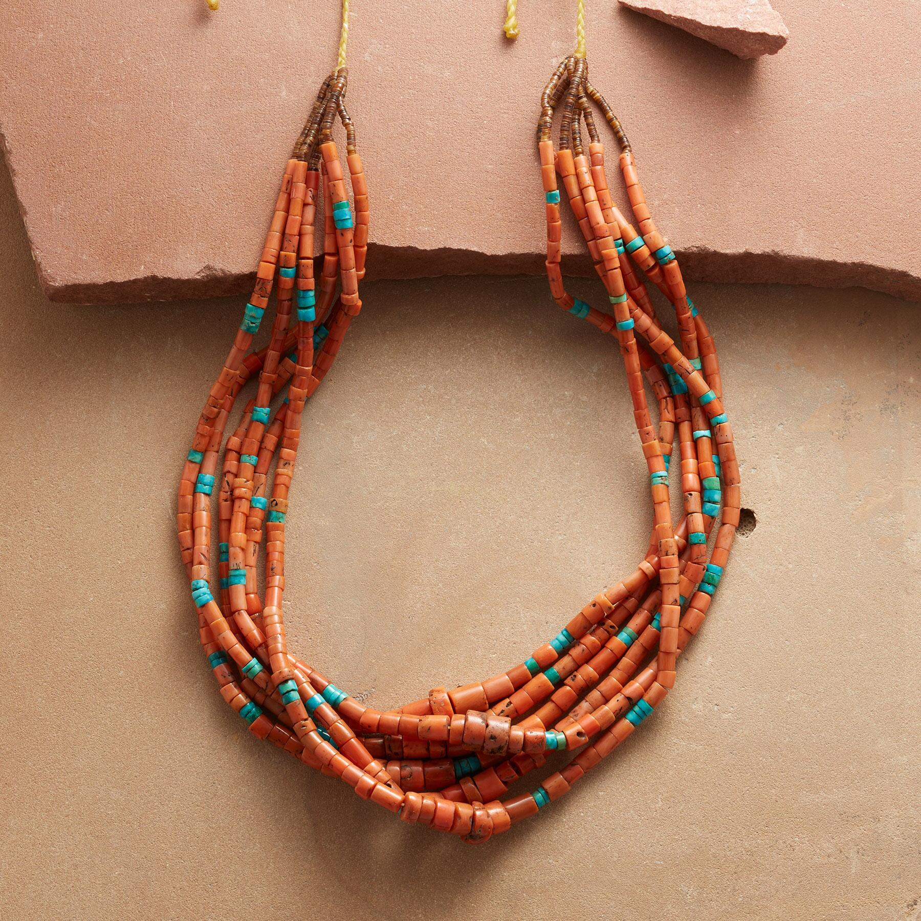 VINTAGE SANTO DOMINGO NECKLACE: View 1