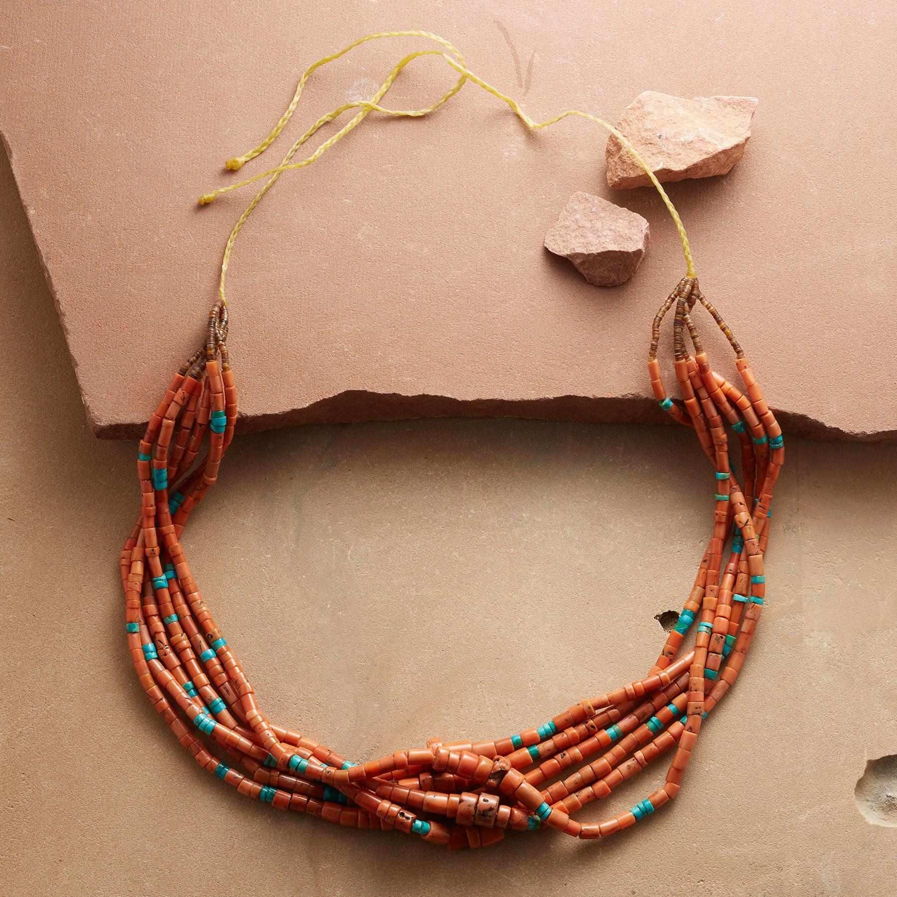 VINTAGE SANTO DOMINGO NECKLACE: View 2