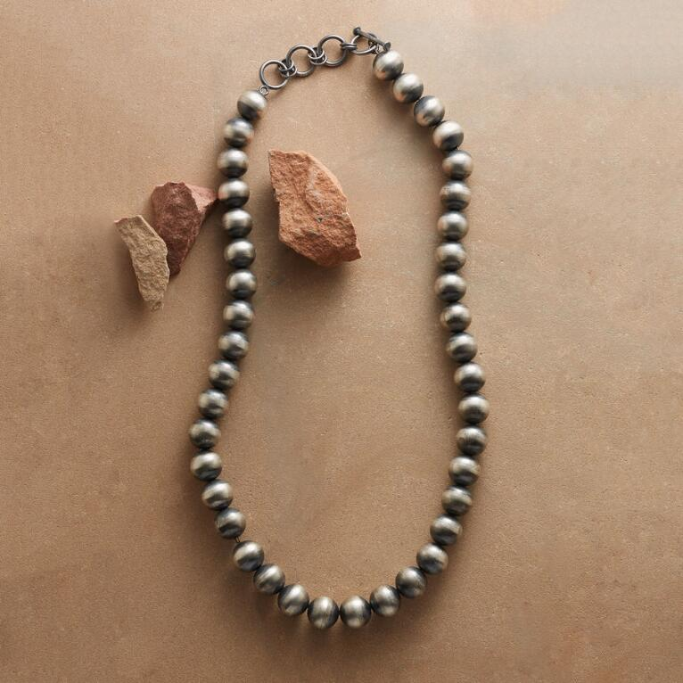NATIVE AMERICAN CLASSIC NECKLACE