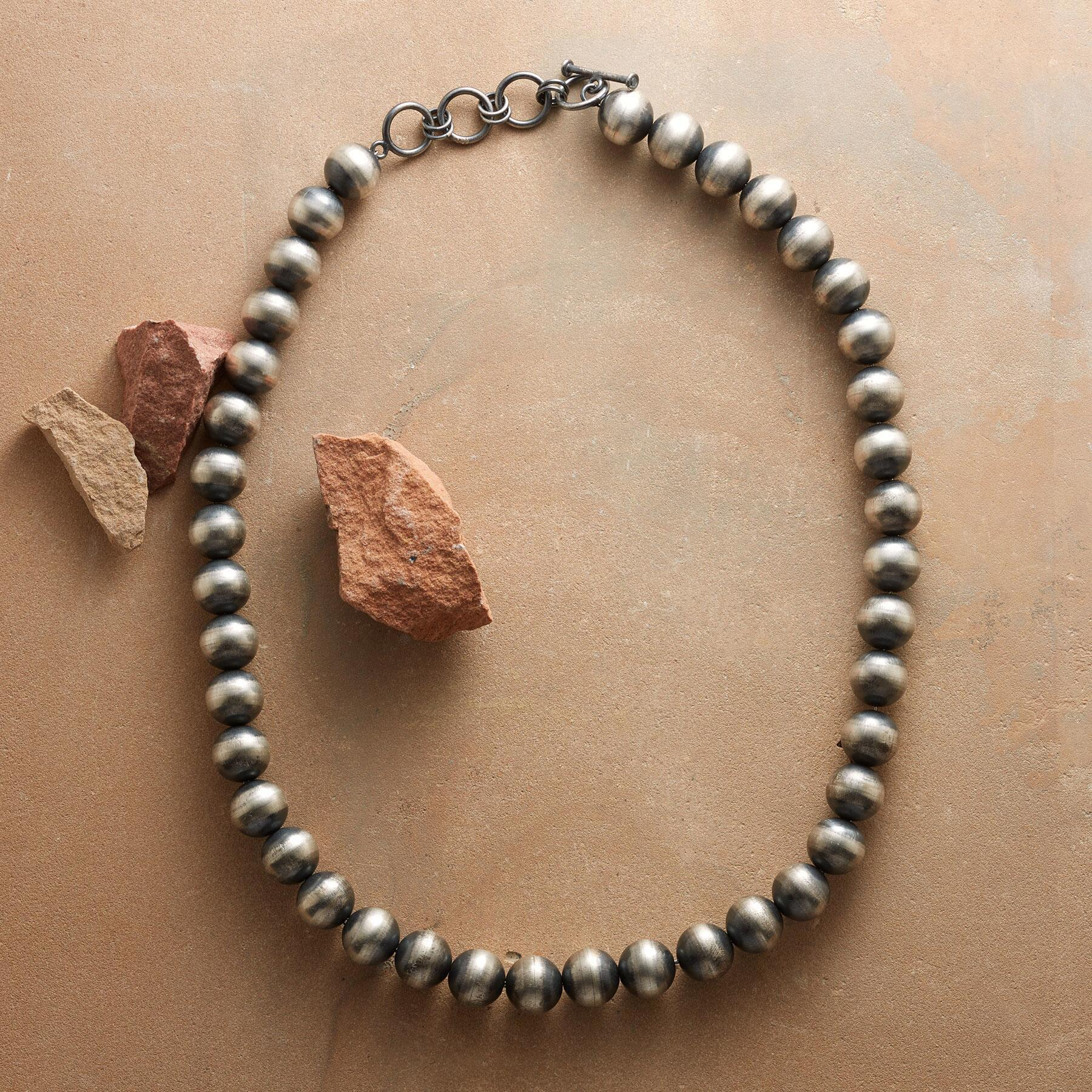 NATIVE AMERICAN CLASSIC NECKLACE: View 2