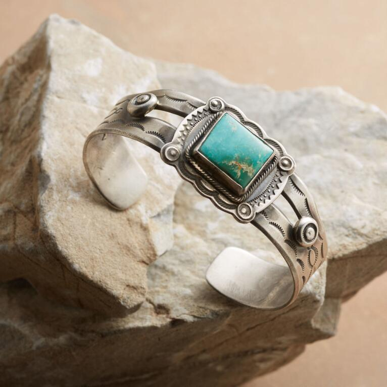 APACHE TURQUOISE CUFF