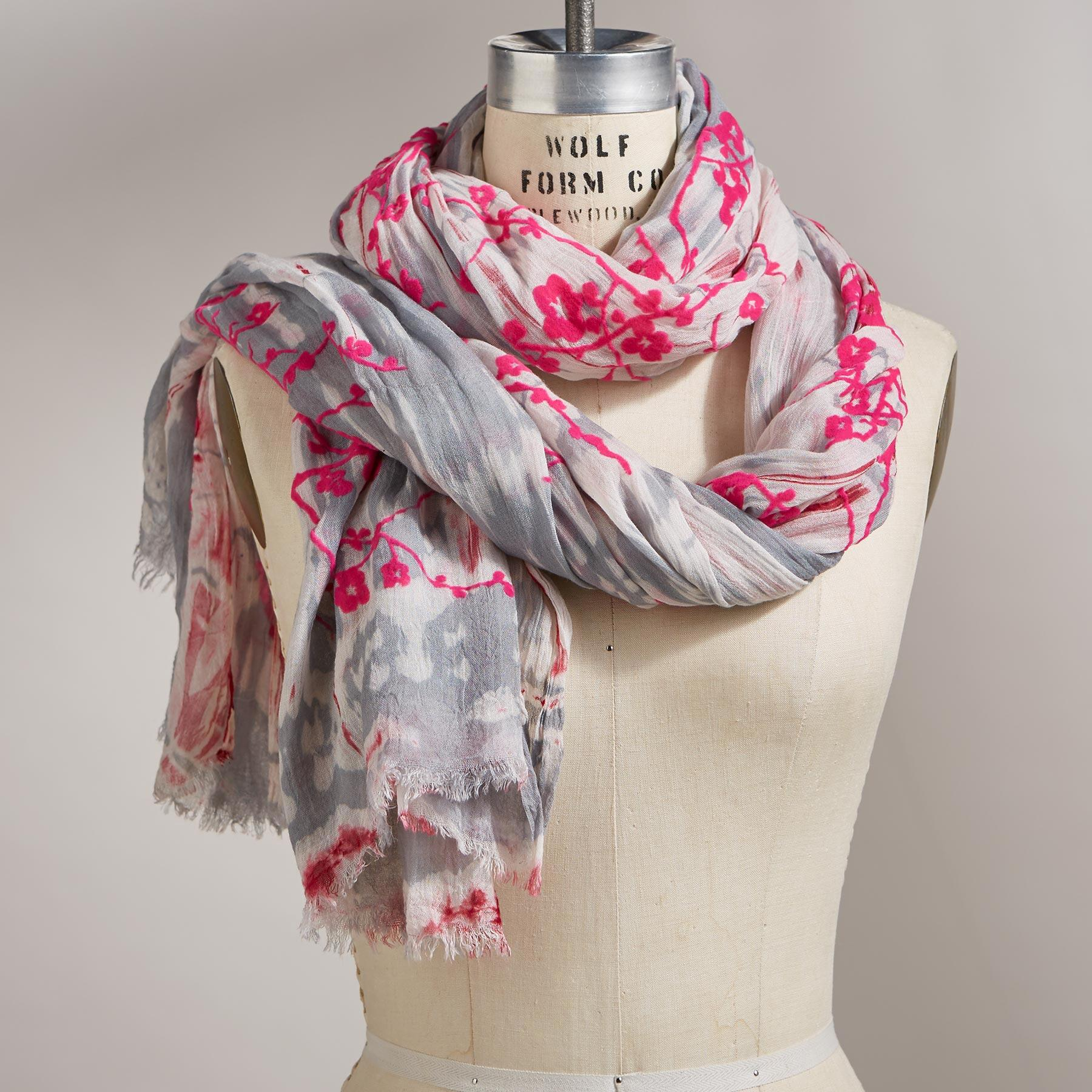 BLOSSOMS SCARF: View 1