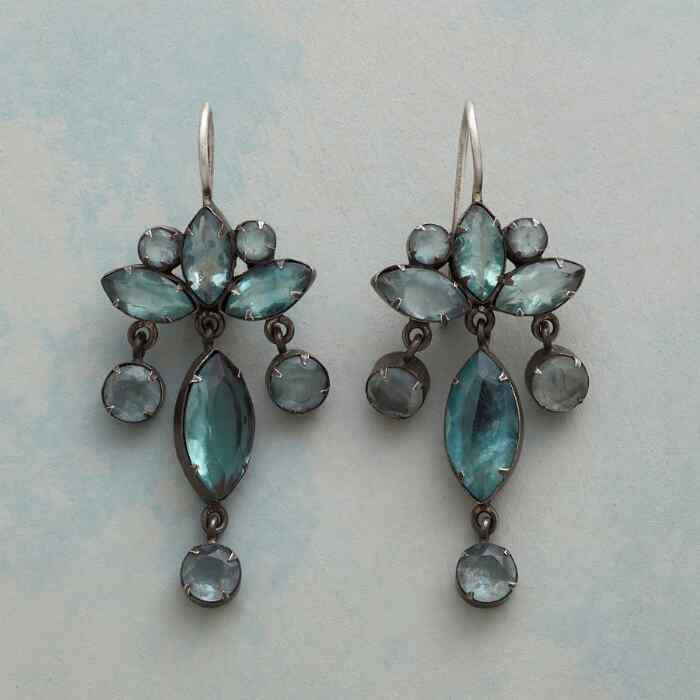 PALATIA CHANDELIER EARRINGS