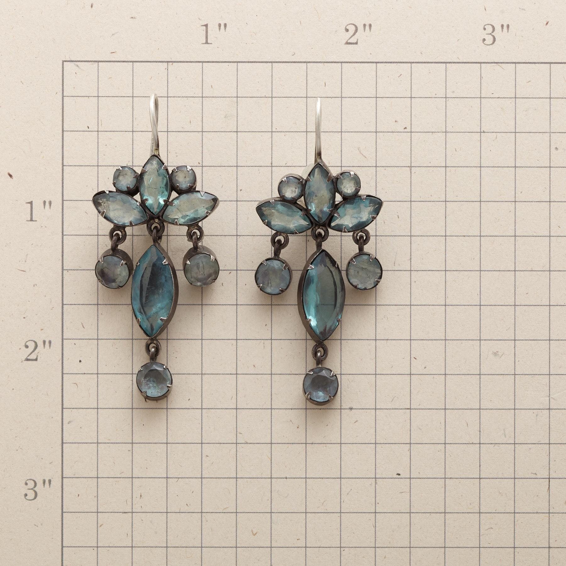 PALATIA CHANDELIER EARRINGS: View 2