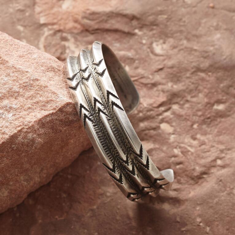 TRIPLE ARROW STERLING CUFF