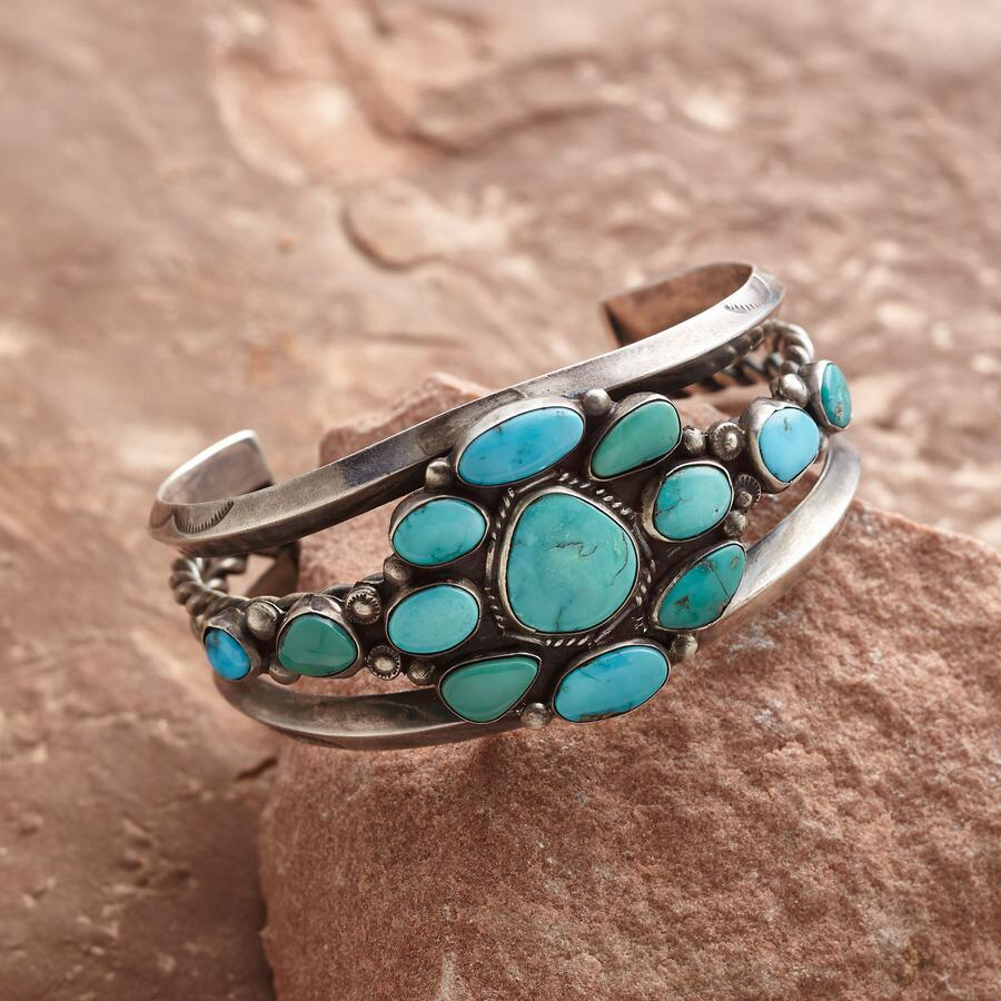 VINTAGE TURQUOISE ROSETTE CUFF