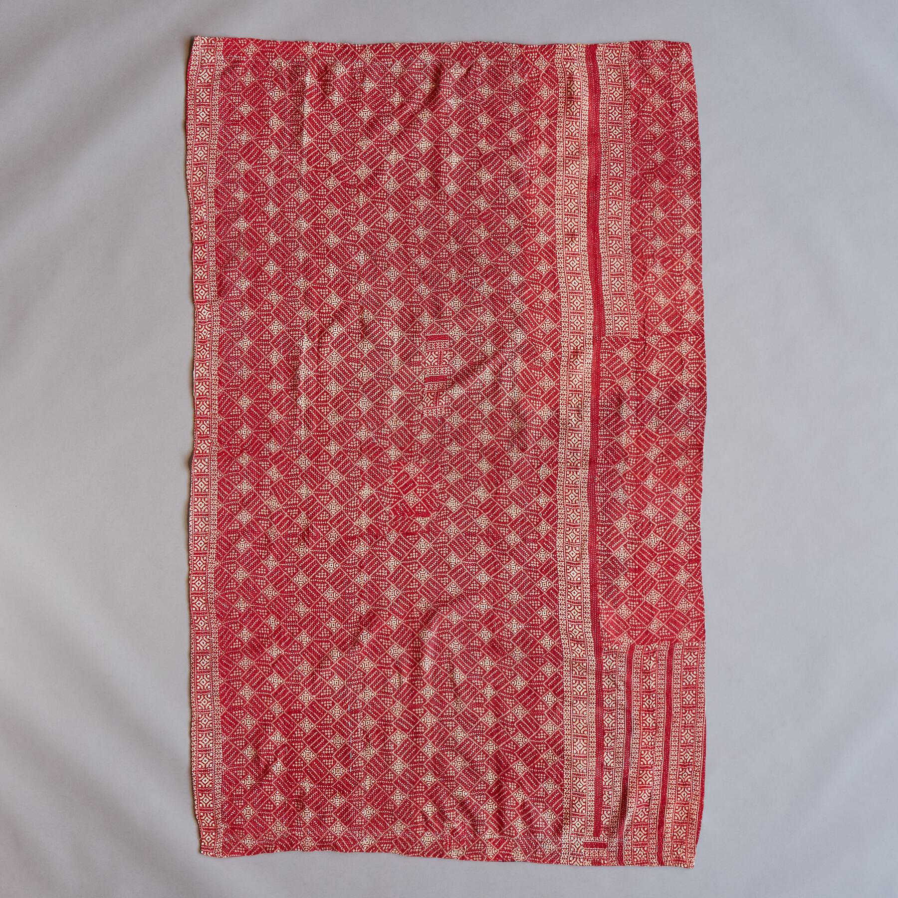 SOMNATH SARI THROW: View 2