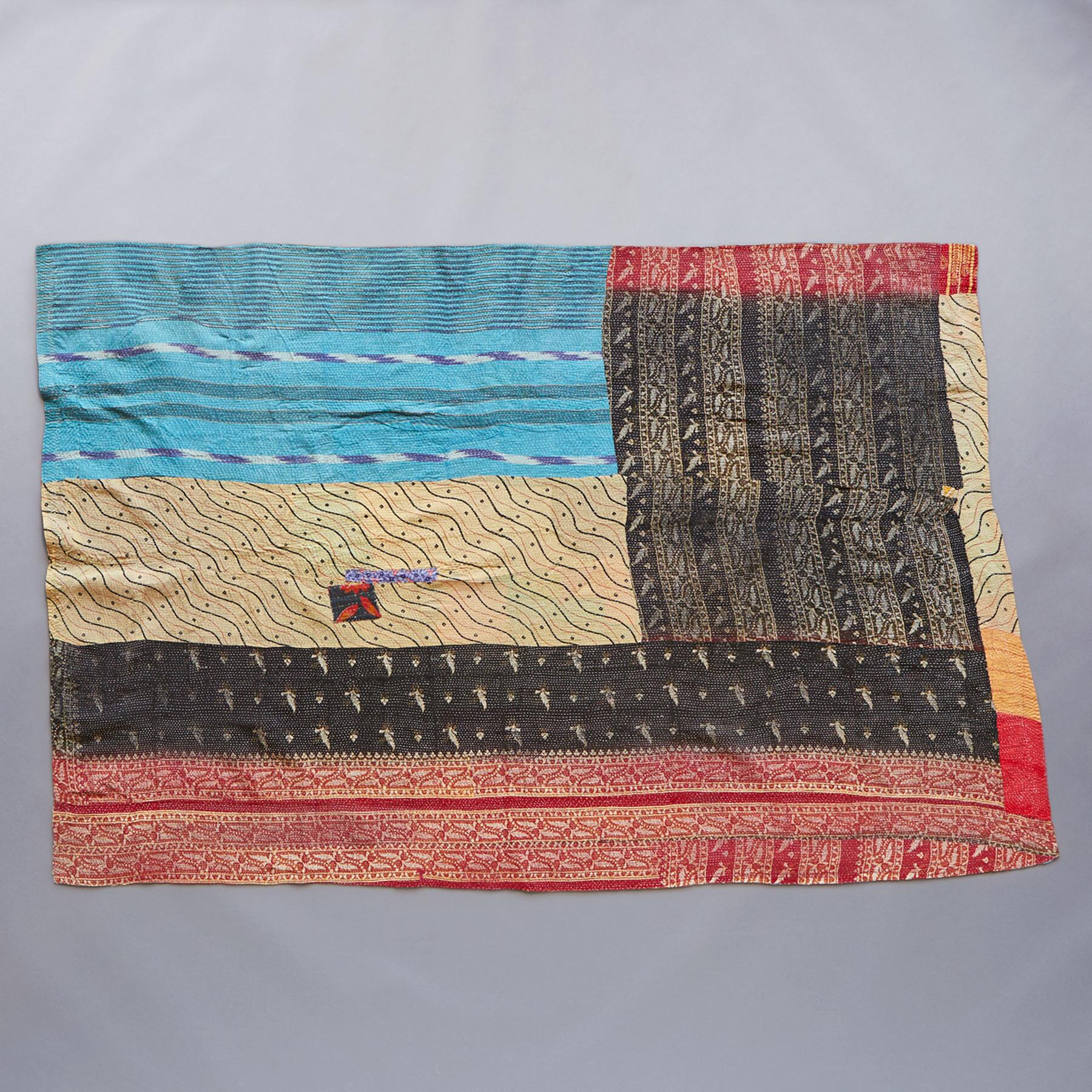 LINGARAJA SARI THROW: View 2