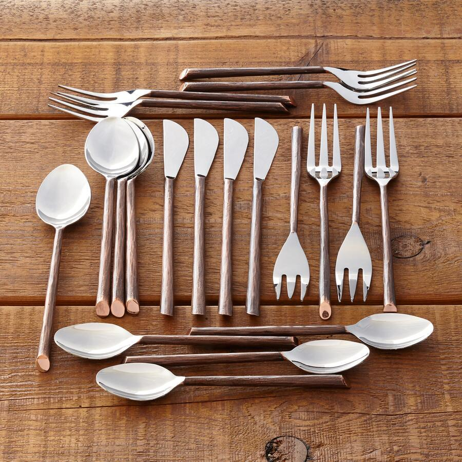 CRAFTSMAN FLATWARE, 20-PIECE SET