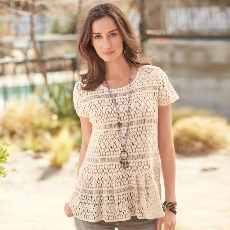 SOFT GEO LACE PEPLUM TOP