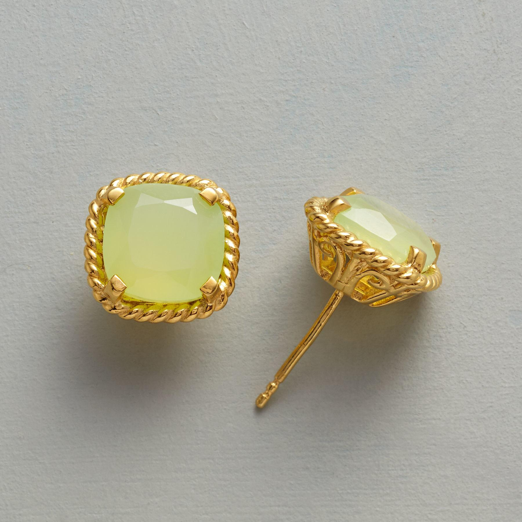 PREHNITE FILIGREE EARRINGS: View 1