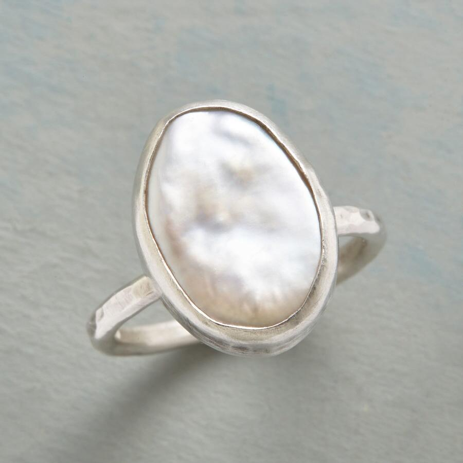 SEA OF PEARL RING