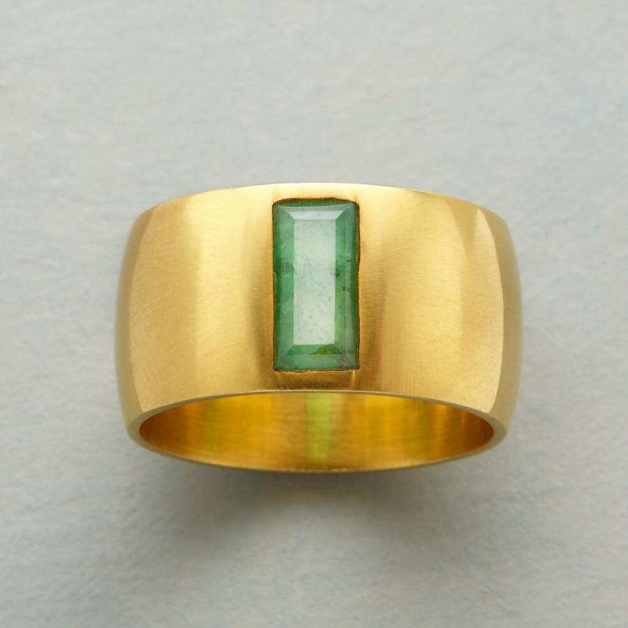 PAVILION EMERALD RING