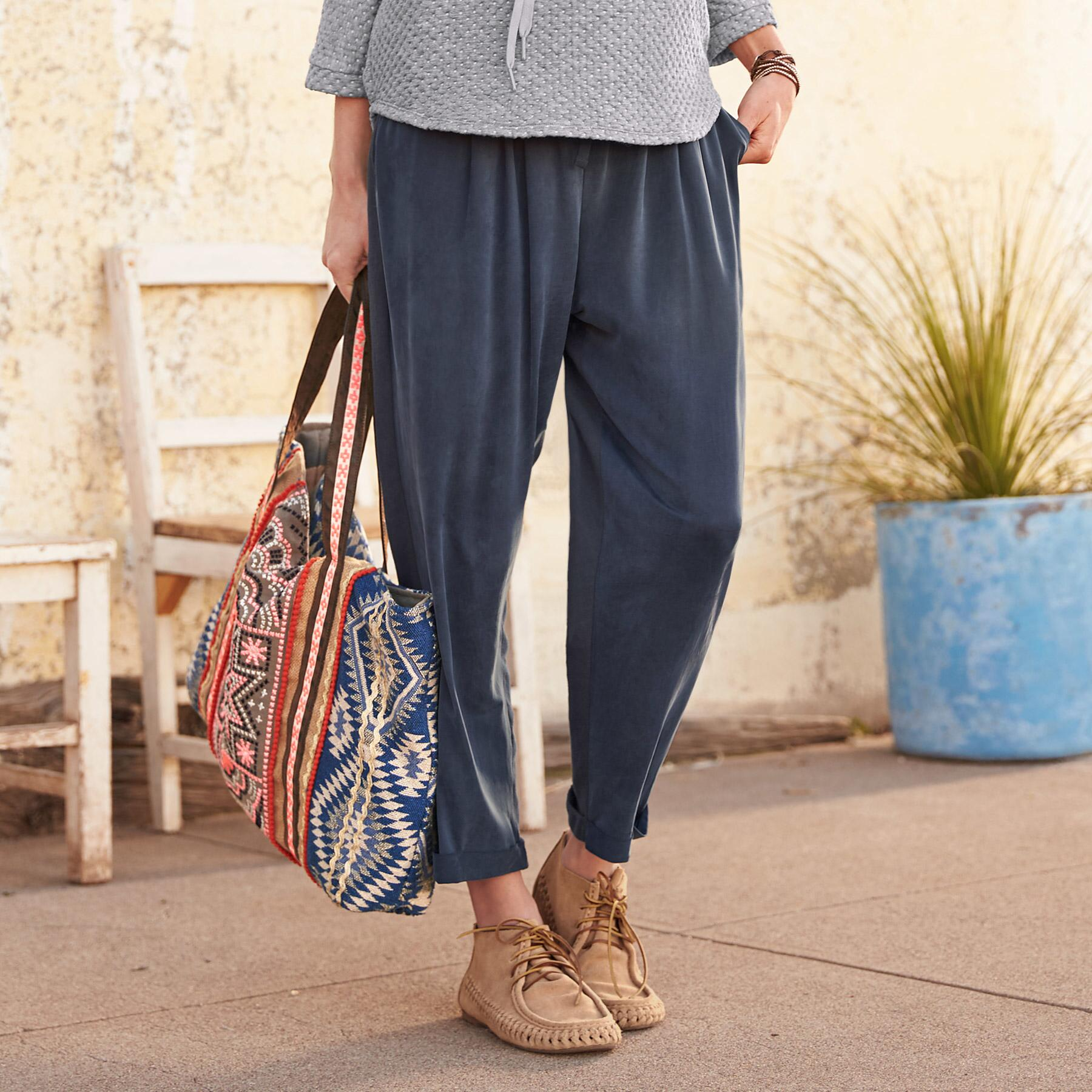 PERFECT WEEKEND PANTS: View 1
