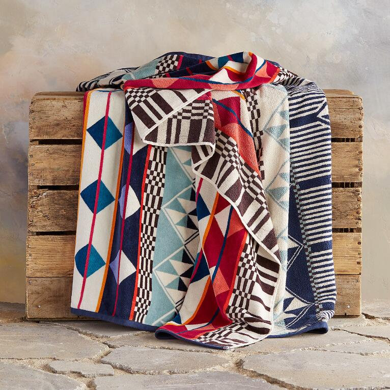 PENDLETON® FIRE LEGEND RESORT TOWEL FOR TWO