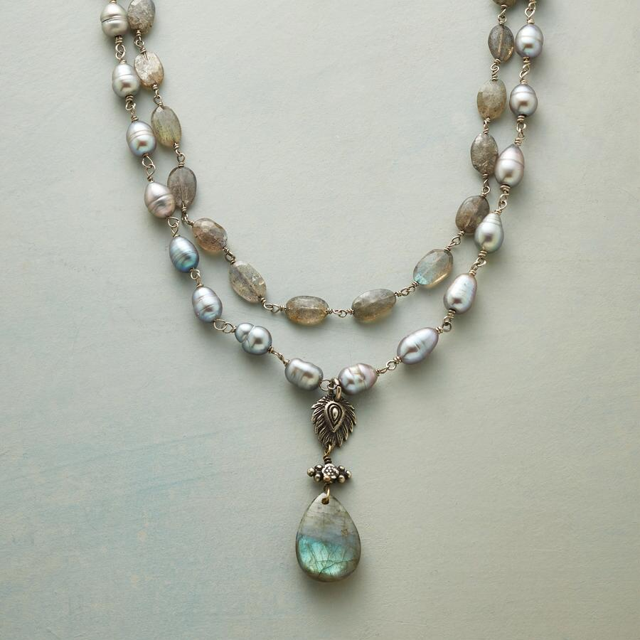SEA SMOKE NECKLACE