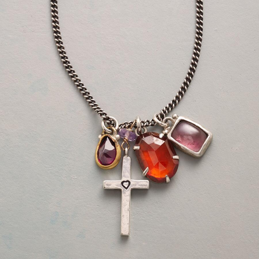 STRAIGHT TO THE HEART NECKLACE