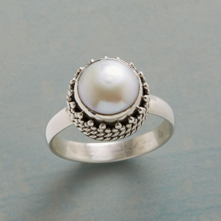 PEARL GATEAU RING