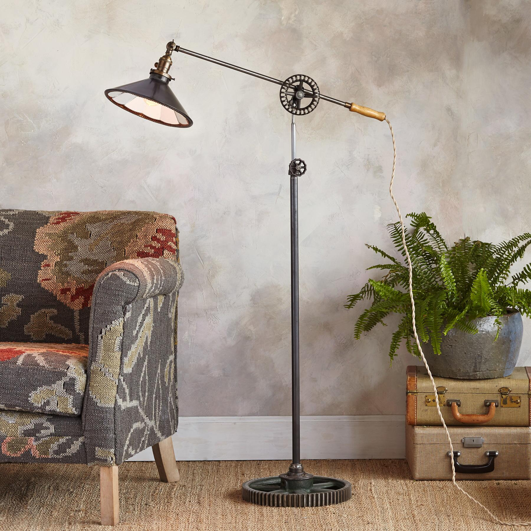 CONCORD FLOOR LAMP: View 1