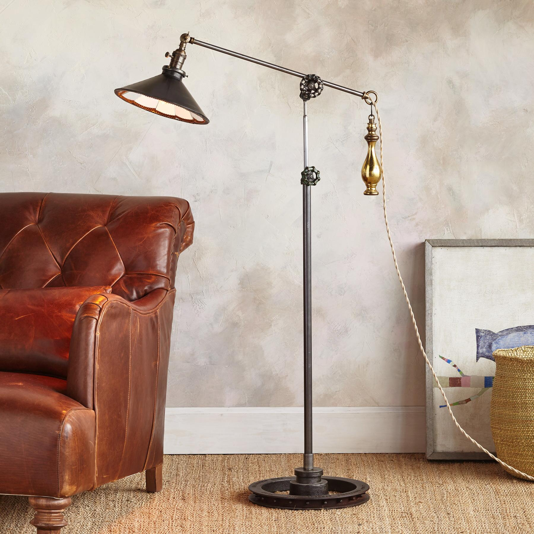 SALEM FLOOR LAMP: View 1