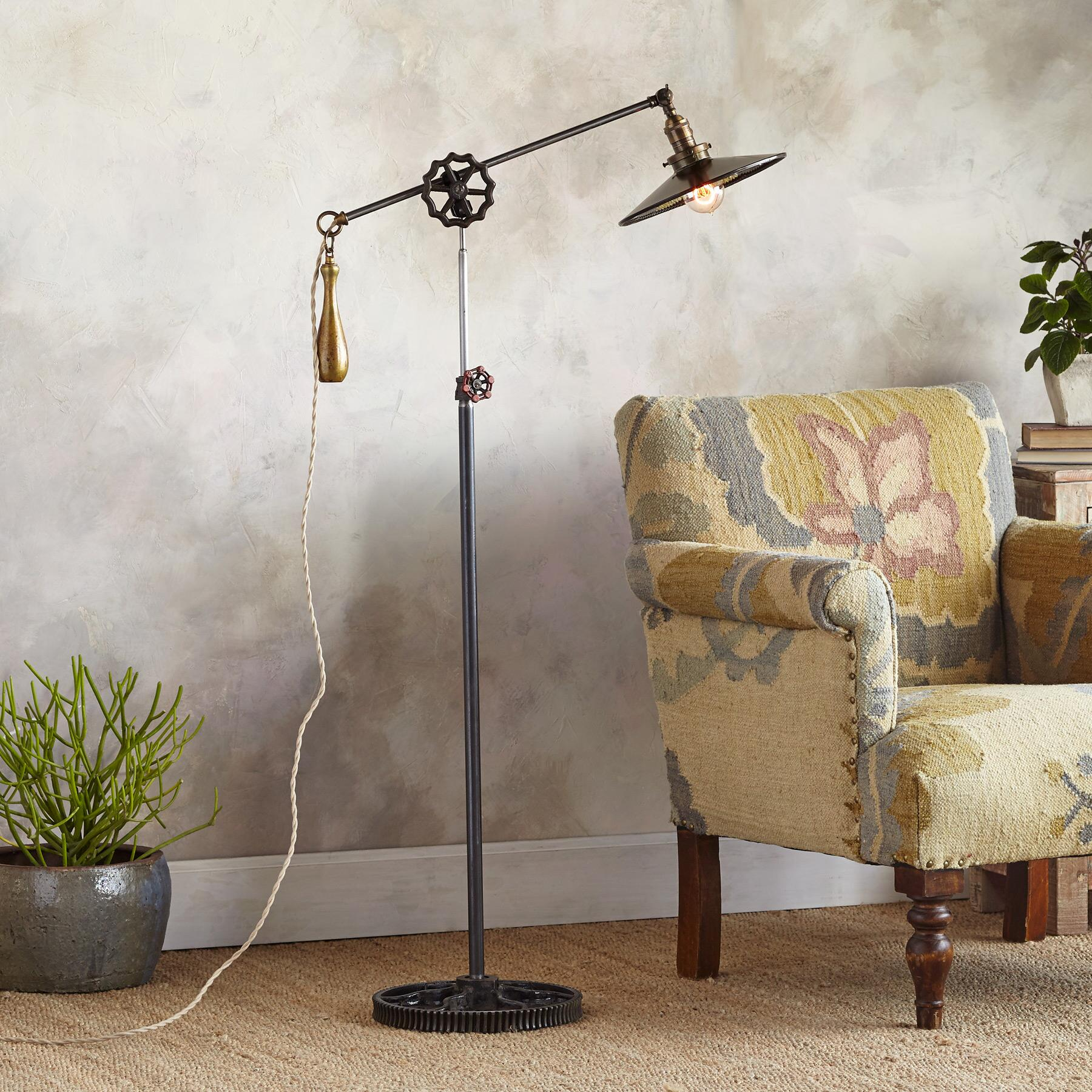 MONTPELIER FLOOR LAMP: View 1