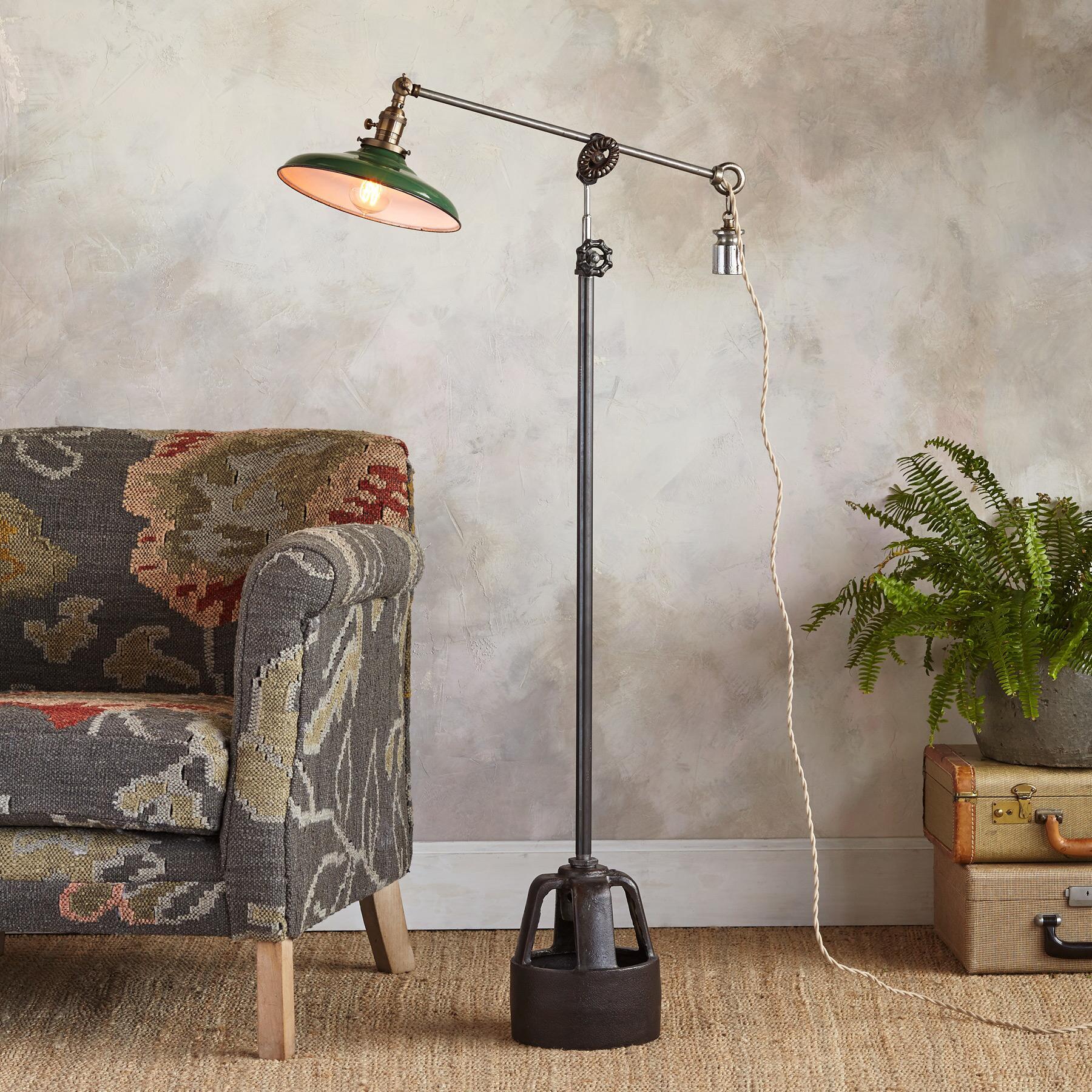 OLYMPIA FLOOR LAMP: View 1
