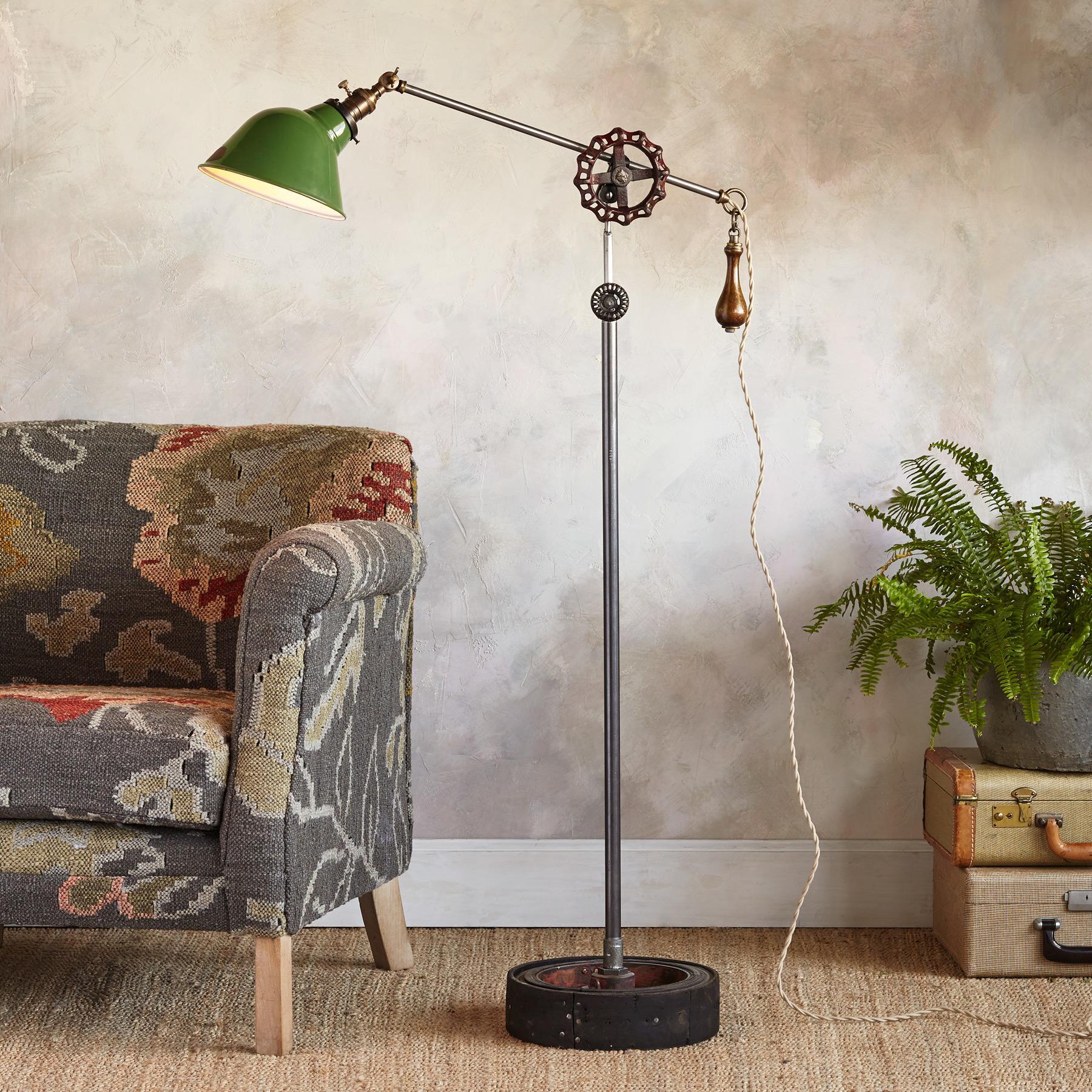CHARLESTON FLOOR LAMP: View 1