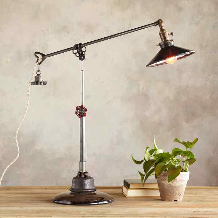 MEMPHIS TABLE LAMP