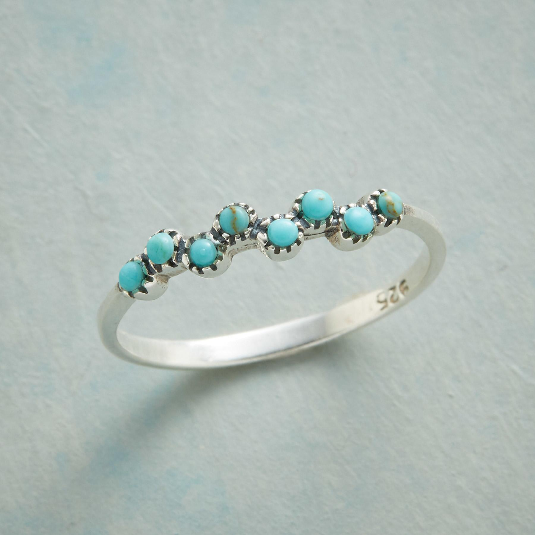 MERMAID KISSES RING: View 1